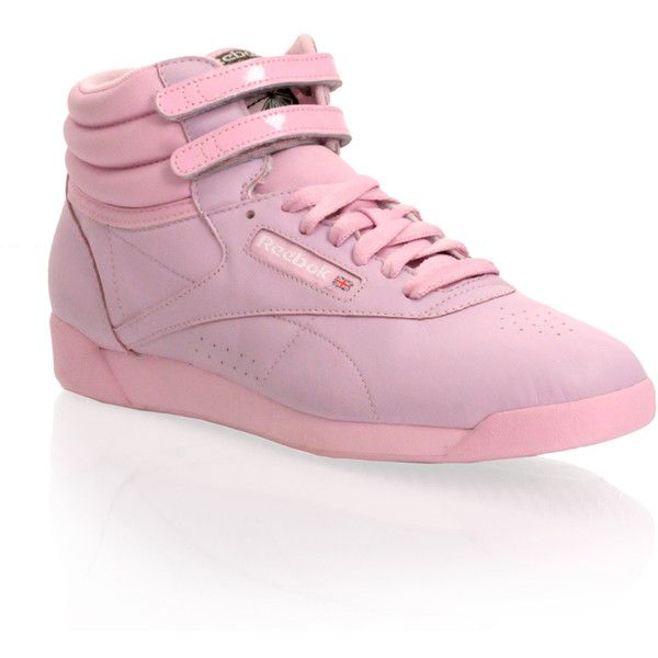 Reebok Free Style High Top Trainer (79 BRL) ❤ liked on Polyvore featuring shoes, sneakers, pink, flats, footwear, women, velcro sneakers, pink high top sneakers, reebok trainers and high top shoes