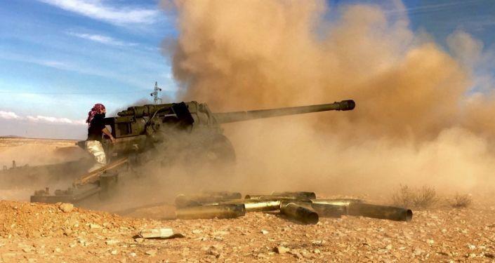 Das US-Militär soll Beratern zufolge Truppen und militärische Ausrüstung an der syrisch-jordanischen Grenze konzentrieren. Es wurden etwa 20 US-Armee gepanzerte Fahrzeuge (einschließlich Kampfpanzer und Artilleriegeschütze), die auf Lastwagen verladen waren, in Al-Mafraq entdeckt. US-Truppen wurden angeblich vonder 3. Division der jordanischen Armee begleitet. Die US Special Operations Forces, die UK Special Operations Forces und Einheiten weiterlesen...