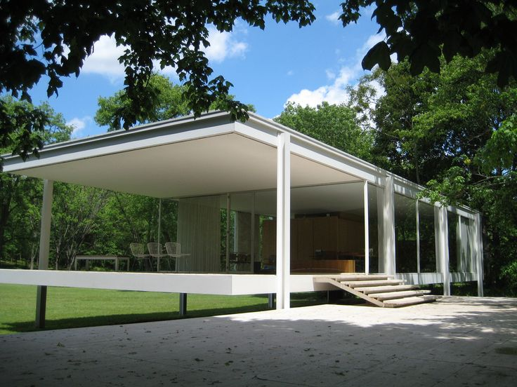 I always wonder how cold the Dr. Farnsworth was in the winter :) but I love it Mies!