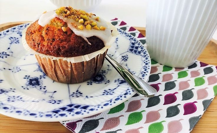 Foto: Sara B. Hansen.   L ækre Muffins som også vil gøre sig godt på påskebordet- evt. kan man farve glasuren gul ved denne lejlighed. Her...