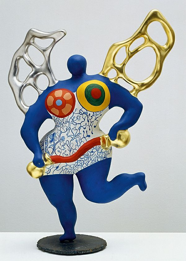 Niki de Saint Phalle is particularly well known for her colourful Nana figurines. Description from undo.net. I searched for this on bing.com/images