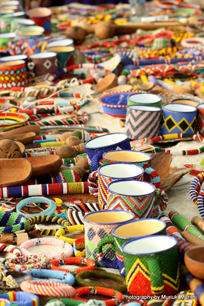 Mercado Maasai. Ethnic artisanal craft work, beading,weaving,paint. The amazing hand work of native peoples no matter where. Sometimes made out of mundane objects, made to look exceptional. K.S