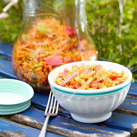 Lecker zu Kotelett und Co.: Möhrensalat mit Ingwer-Honig-Soße