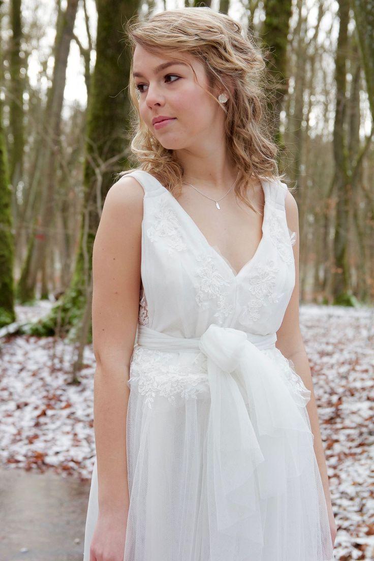 ...  Robe de Mariée - Modèle Juliette  Pinterest  Plumes et Tulle