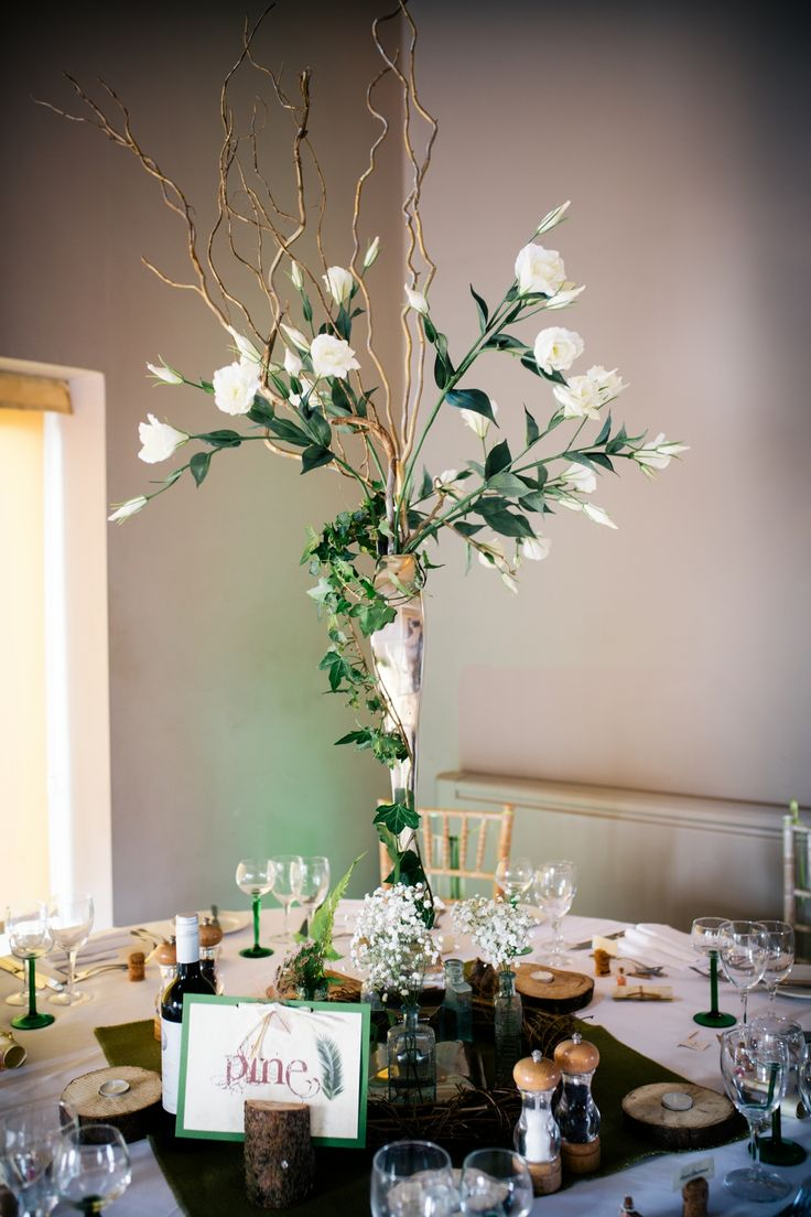 Table decor with height , Creates impressive sight (table decor to hire...)