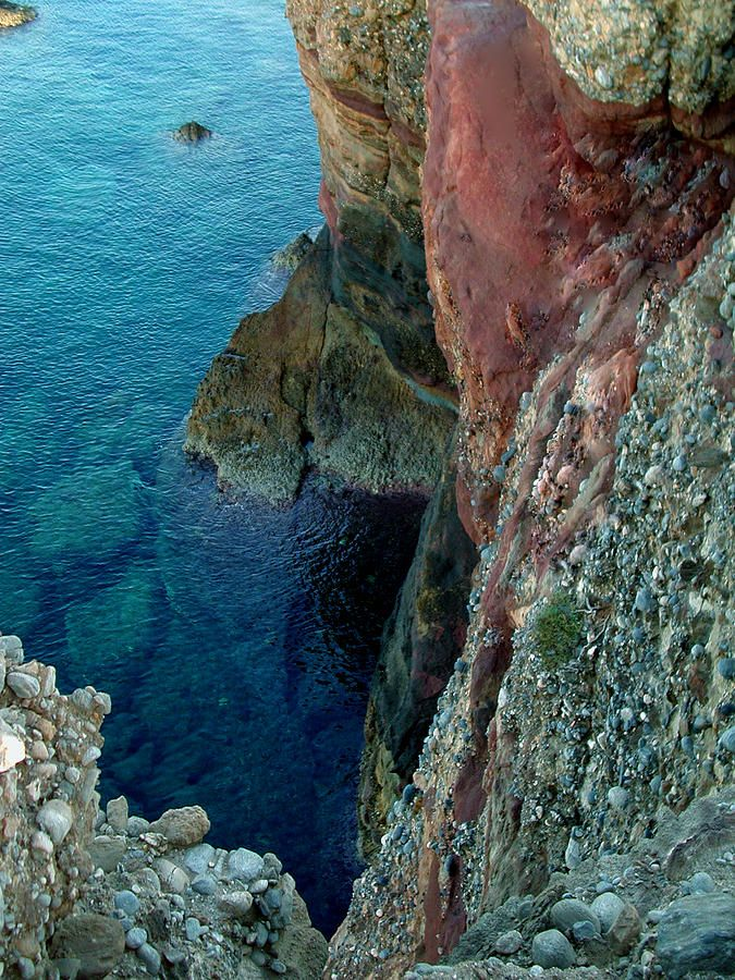 ✮ Cliff on Naxos Island - Greece