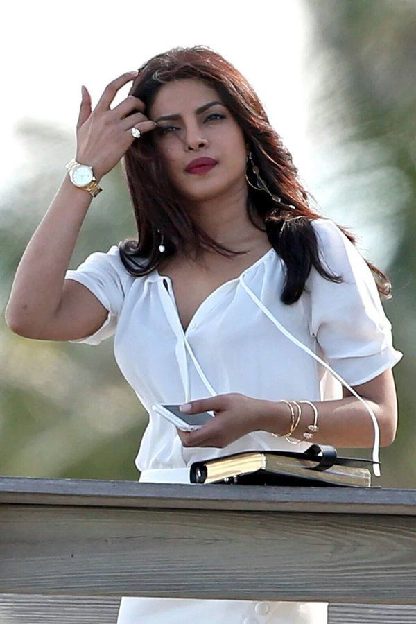 Priyankachopra Shoots Baywatch In Miami Priyanka
