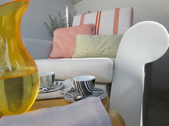 #PascalDelmotte #interiordesign #design #decorating #residentialdesign #homedecor #colors #decor #designidea #terrace #chairs #pillows #decanter #coffee cup