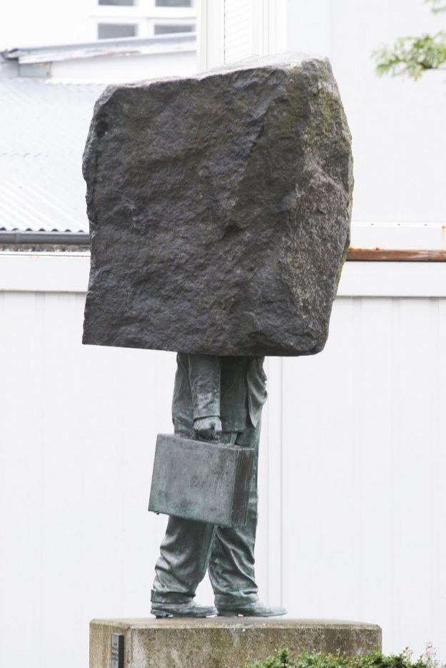 Pomnik anonimowego biurokraty #pomnik #anonimowego #biurokraty