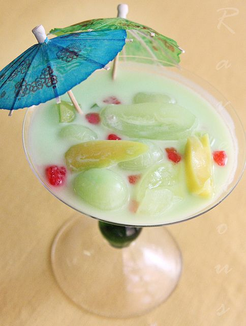 Vietnamese che thai, a no cook refreshing fruit dessert