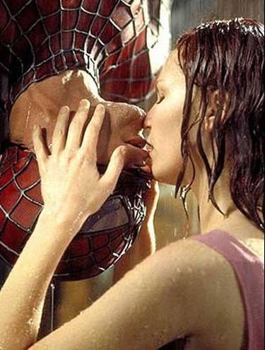 Detalhe da imagem de —No cinema podemos ver várias cenas de beijos marcantes como esta do ...