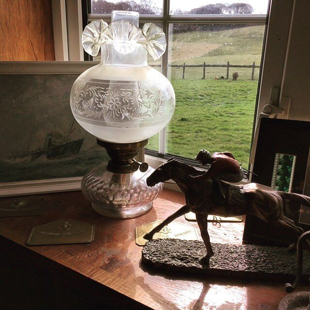 Tasteful glass. Art Deco lamp #goodwood #ascot #racing #horse #horsebackriding #jockey #glass #tiffany #lamp #artdeco #retro #vintage #elegant #warandpeacerevival http://ift.tt/1KwB1Ie Buy your tickets now. The biggest and best vintage and military show ever.