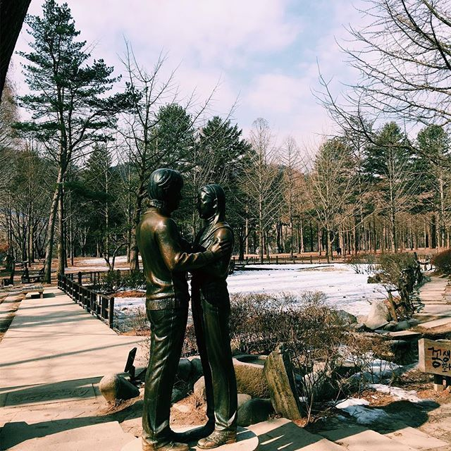 Nami Island became so famous for Korean couples after a k-drama hit, Endless Love. They even built a statue as a memento. Never watched that drama, though because Kapamilya.  #vsco #vscocam #SouthKorea #namiisland #endlesslove #winter #travelgram by darylbaes. southkorea #namiisland #endlesslove #vsco #winter #travelgram #vscocam #eventprofs #meetingprofs #popular #trending #events #event #travel #tourism [Follow us on Twitter (@MICEFXSolutions) for more...]