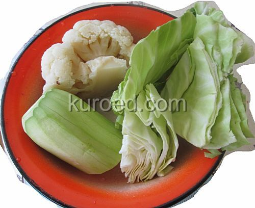 Шаг 1 - Овощи вымыть, кабачок почистить, цветную капусту приварить