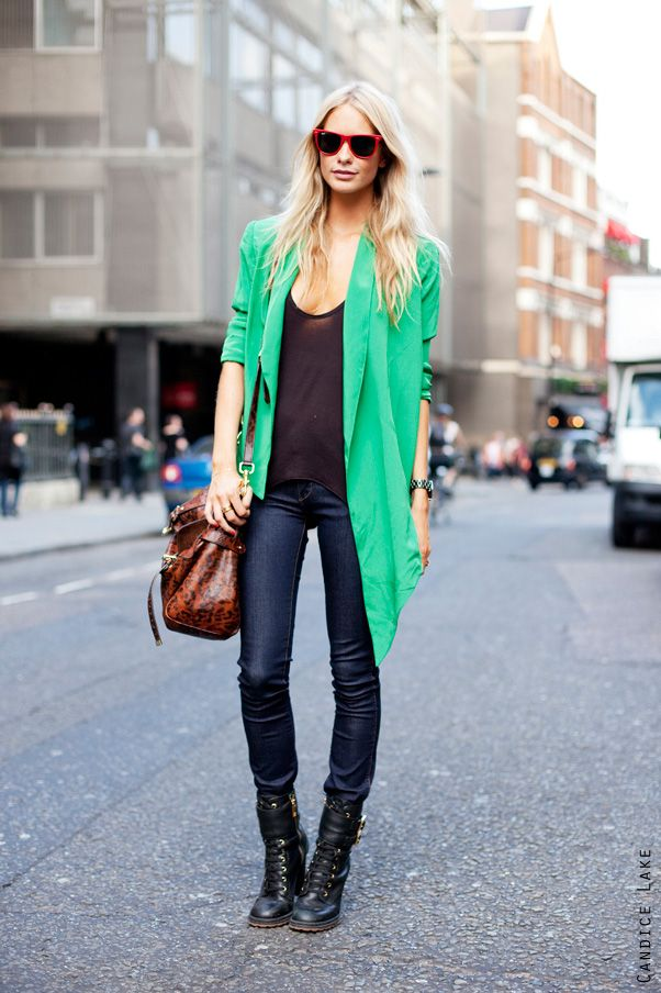hot jacket.: Green Sweaters, Mint Green, Color, Cities Chic, Green Blazers, Outfit, Poppies Delevingne, Kelly Green, London Fashion Week
