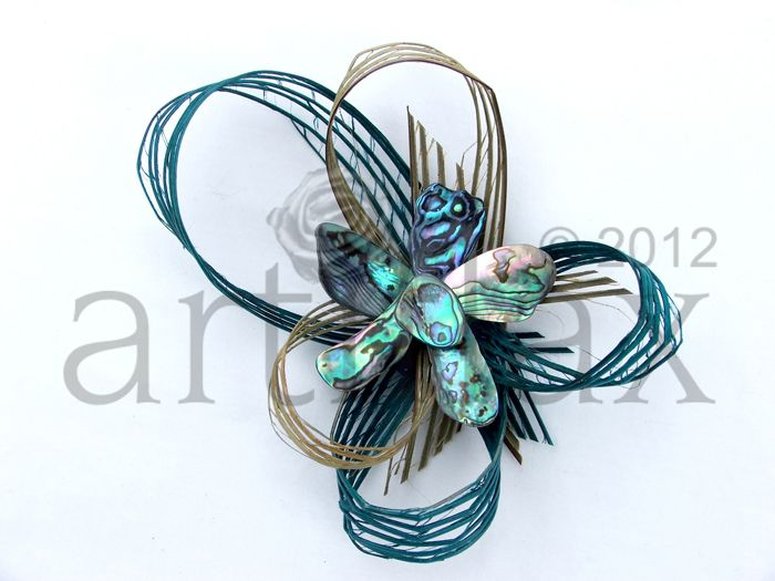 Hapene flax and paua shell flower brooch/corsage