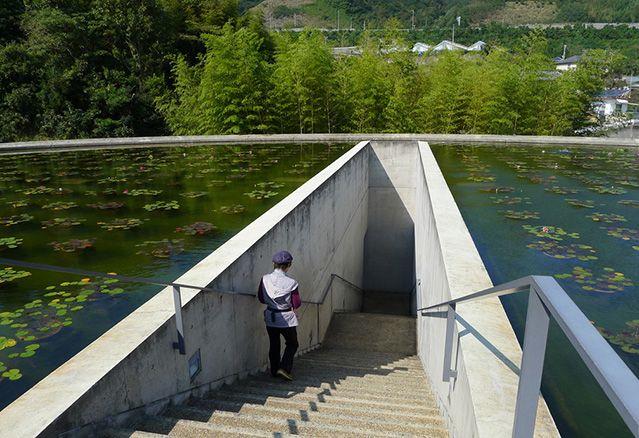 bâtiments en relation avec l'eau water temple
