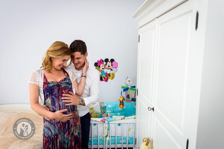 Maternity Fun | www.cristians.ro #pregnancy #maternity #maternityphotography #family #familyphotosession #newlife #baby #home #couple #laugh #smile #photosession #photographer #cristiansabau #cristians #Transylvania #Romania #nikon #D750 #nikond750