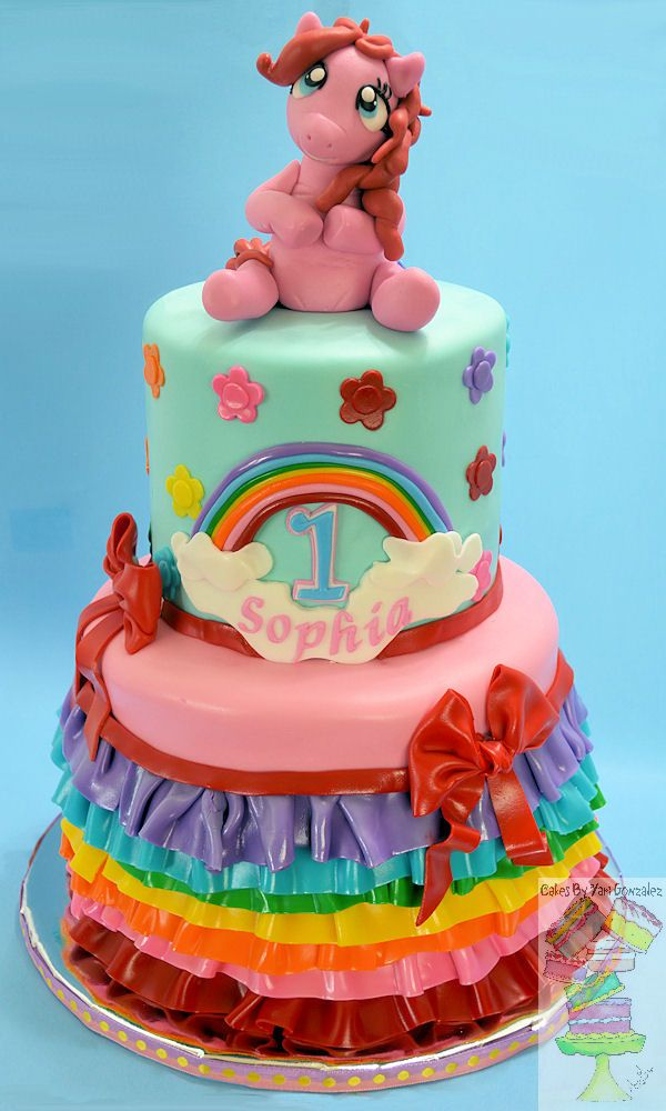 Cake Images With Name Pinky : PINKIE PIE PONY RAINBOW CAKE - Pinkie Pie was sculpted from gumpaste. Gumpaste name plaque ...