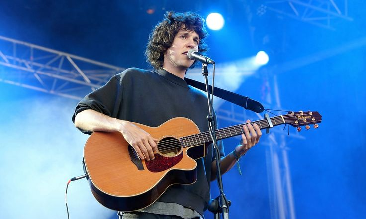Adele interviews Tobias Jesso Jr: 'I think that a couple of the ideas we had could be rap songs' - Awesome interview!
