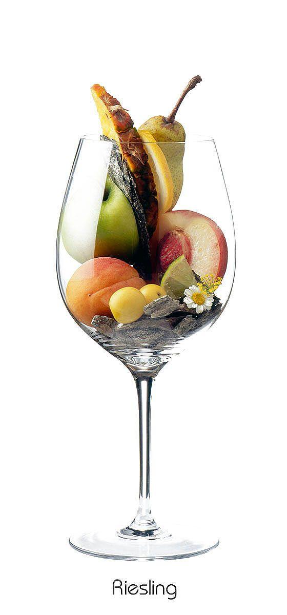 RIESLING  Apple, lemon, apricot, peach, plum, pineapple, pear, lime, daisies, slate, flint