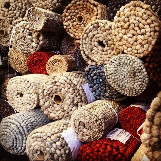 Lot's of Perletta rugs! #vloerkleed #tapijt #teppich #tapis #carpet #rugs #interieur #interior #design #materials #colours #handmade