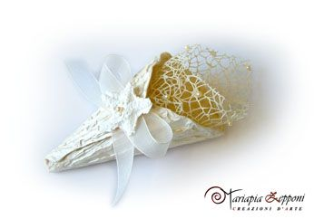 Handmade paper cone Amazing wedding accessories by Mariapia Zepponi Italy