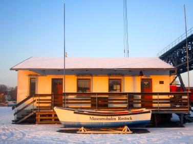 Museumshafen Rostock // #kreativsaison #mecklenburg #ostsee #balticsea #hafen #schiff #sonntag #spaziergang #warnow #sonne