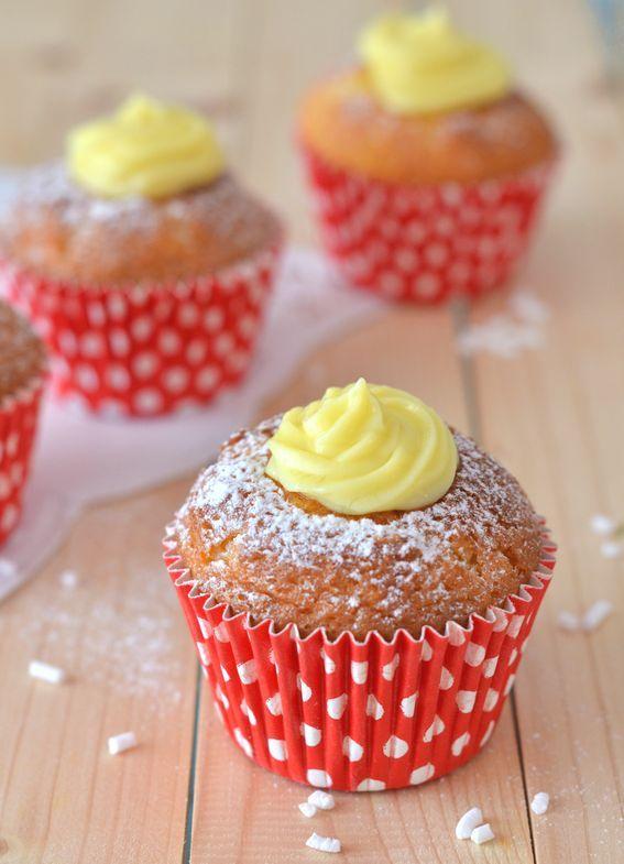 #MUFFIN SOFFICE alla vaniglia con #crema pasticcera :p ricettta http://bit.ly/2eVa3mn