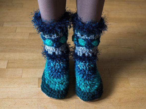 Pantoufles femmes bottes pantoufles floues par MakabakaFootwear