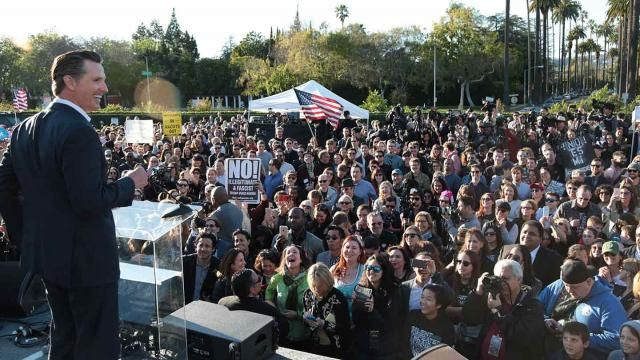 #Media #Oligarchs #MegaBanks vs #union #occupy #BLM #SDF #DemExit #Humanity   Can California Achieve Universal Health Care in the Age of Drumpf?  http://www.occupy.com/article/can-california-achieve-universal-health-care-age-trump   The battle over the American Health Care Act has devolved into a question of whether Paul Ryan can save face by passing something out of the House that he knows can't advance in the Senate. That Republican leadership is considering placating Drumpf and the…