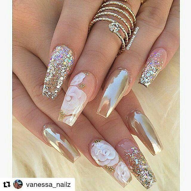 Love the glitter nails