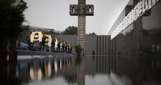 Asia se prepara para la guerra fría / Georgina Higueras @elpais_internacional   Los perfiles nacionalistas de los nuevos dirigentes de China, Japón y Corea del Sur agravan las disputas fronterizas y el desencuentro entre Pekín y Washington   #politiquerio #corea #japon