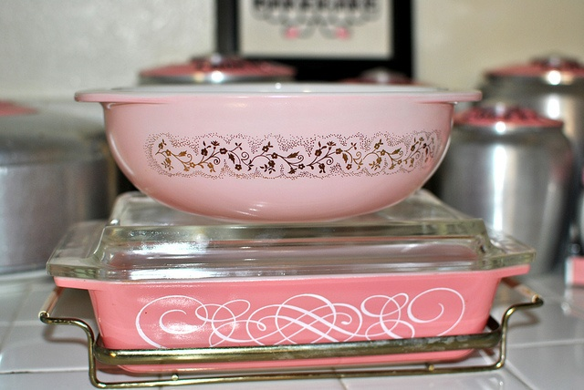 My vintage Pyrex mint Duchess bowl and pink scrolls space saver with holder.