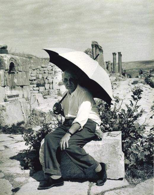 «Κατά βάθος είμαι ζήτημα φωτός» ομολογεί ο Σεφέρης...Φωτογραφία του ποιητή στην Κύπρο