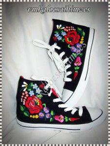 S.Eszter kalocsai kézzel hímzett cipő