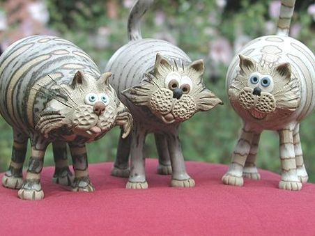 Pottery Cats | hand-made pottery from Muggins Pottery in Leicestershire - wedding gifts, birthday presents, christening presents and anniversary gifts.