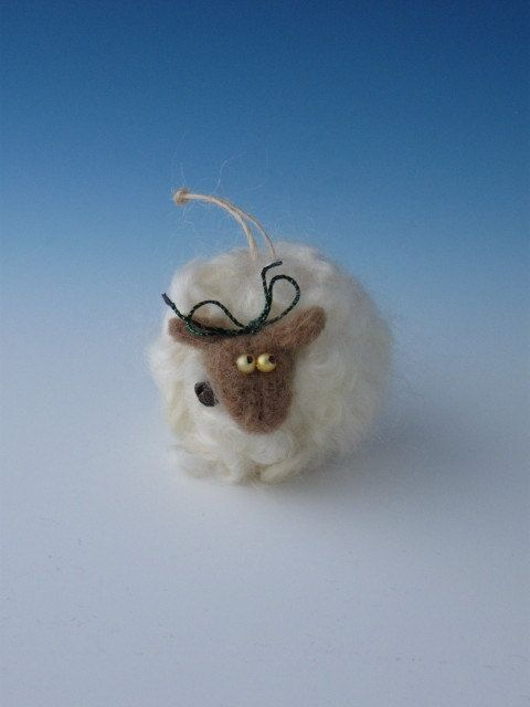 Felted sheep ornament felted ornament for Sheep christmas ornament craft