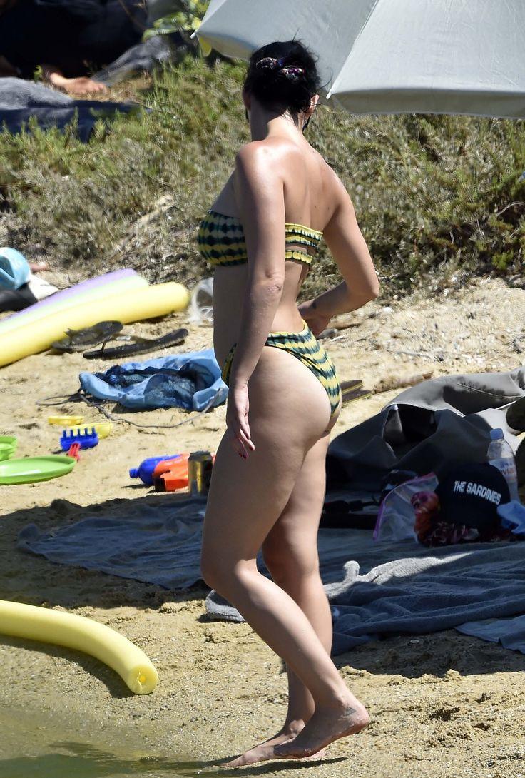 Katy-Perry-Feet-2358801.jpg (2048×3034)