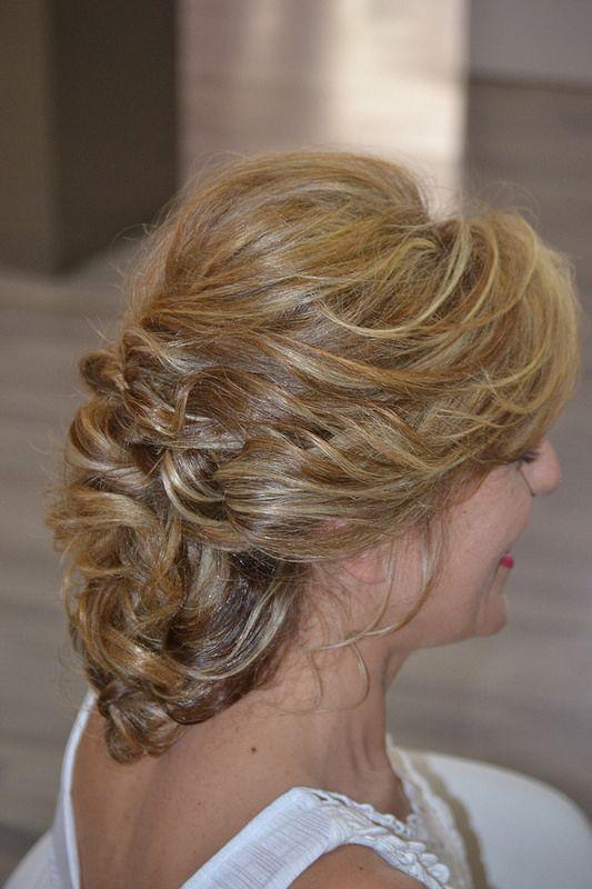 recogidos informales con pelo largo para bodas y eventos