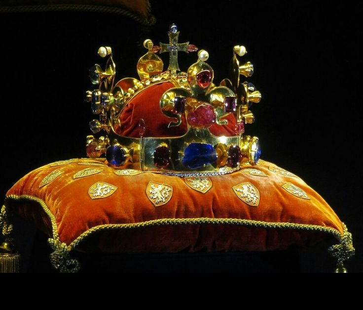 Corona di San Venceslao. 1347. Cattedrale di San Vito. Praga