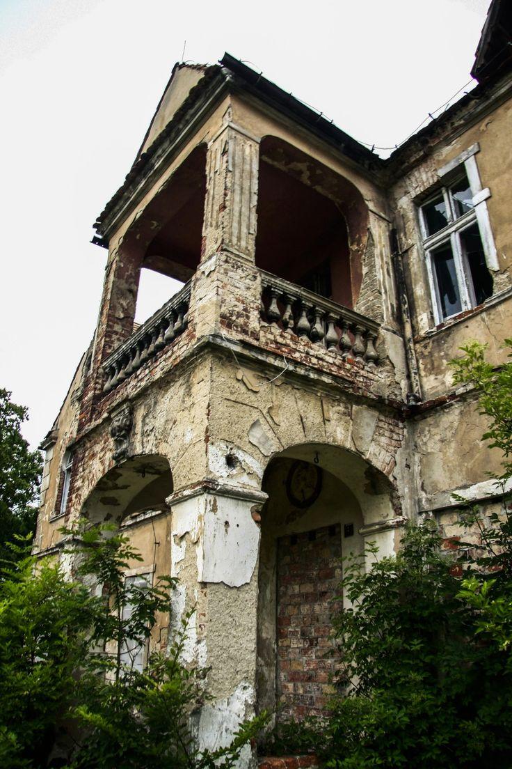 Opuszczony dwór w Wojczycach na Dolnym Śląsku był domem rodzinnym Clary Immerwahr, żony niesławnego Fritza Habera, który był twórcą Cyklonu B.