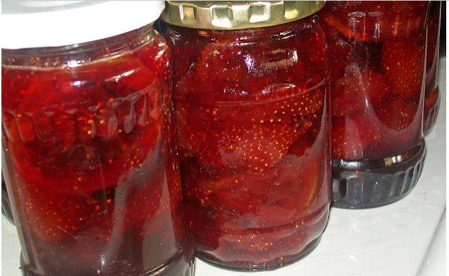 Dulceață de căpșuni FĂRĂ FIERBERE! Această rețetă este delicioasă, aromată și foarte simplă! - Sanatos Zi de Zi