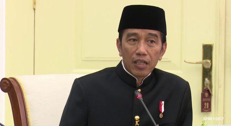 Presiden Jokowi dan Wakil Presiden Jusuf Kalla memimpin Rapat Terbatas soal 10 Bali Baru, di Istana Bogor, Jawa Barat, Kamis (16/11) siang. BOGOR ,17 Nov 2017-Presiden Joko Widodo (Jokowi) mengemu…