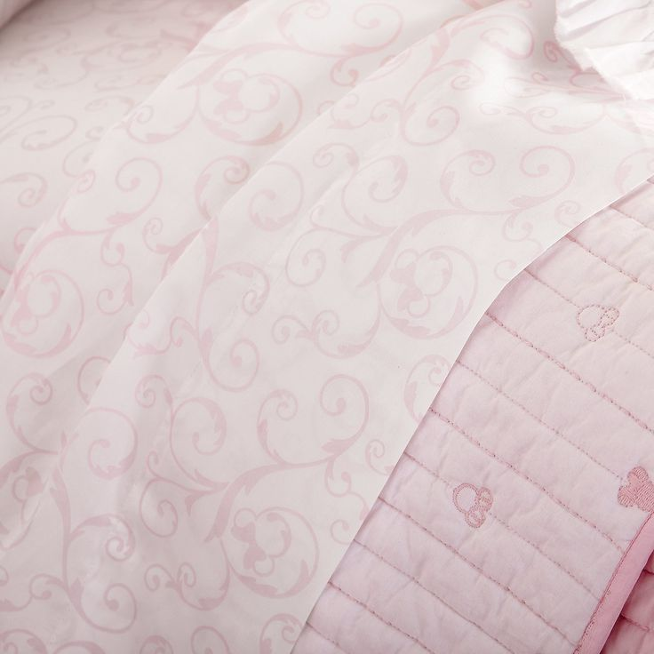 Minnie Mouse Scroll Sheet Set by Ethan Allen