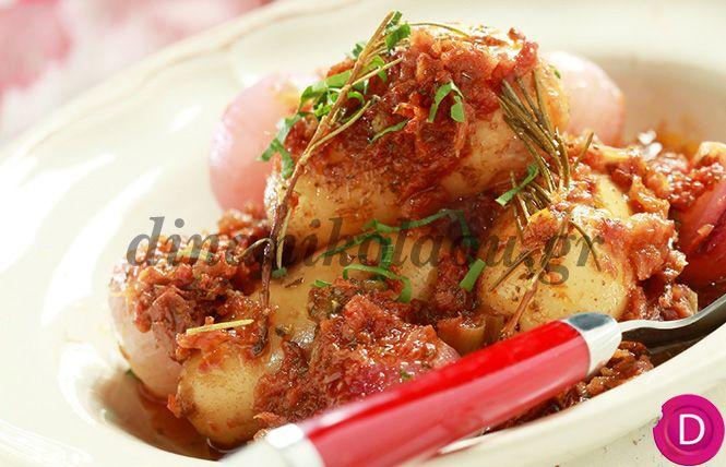 Πατάτες στιφάδο στη γάστρα με μυρωδικά | Dina Nikolaou