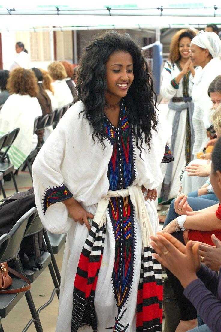 Beautiful Habesha Women In Tradional Habesha Dress Dancing -5233