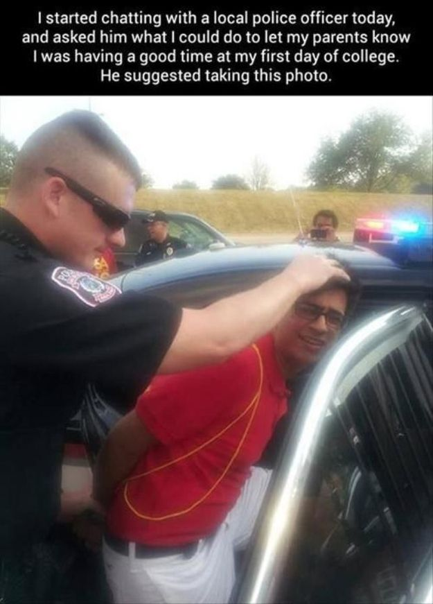 Sometimes cops can help you take the perfect profile picture: | 25 Pictures That Show That Good Cops Actually Do Exist