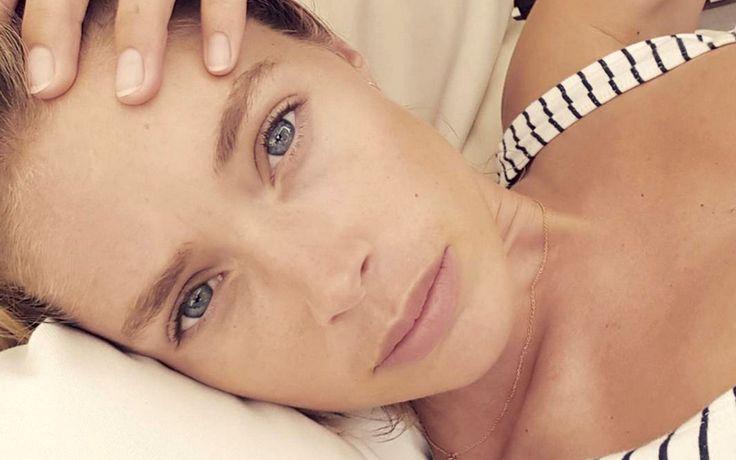 Schlecht geschlafen? Augenringe, geschwollene Augen und ein fahler Teint sind oft das Ergebnis einer schlaflosen Nacht. Mit diesen Beauty-Tipps sieht man dir das nicht mehr an!