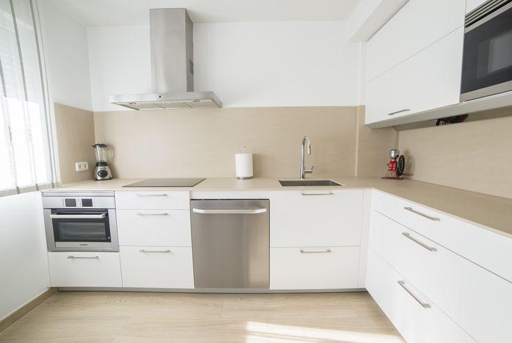 Meer dan 1000 idee n over tiradores de cocina op pinterest cocinas kitchen lade trekt en keukens - Keuken porcelanosa ...